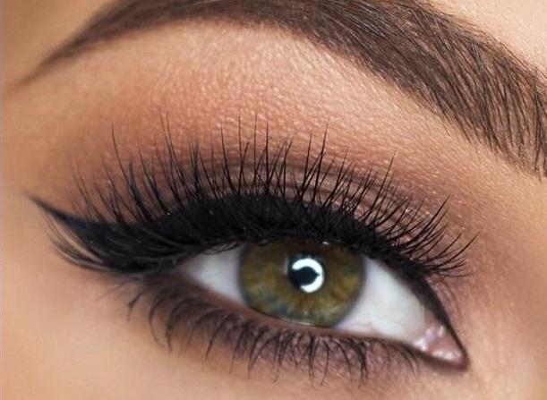 ela gözlere makyaj uygulaması