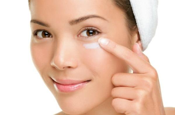 Shiseido göz kremi uygulaması